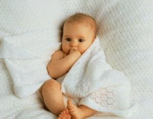 Материнство: какие выплаты положены при рождении первого ребенка