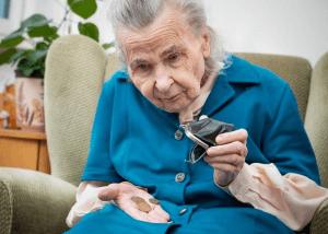 Инвалид, пенсионер