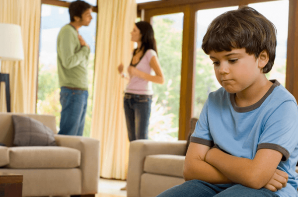 Могут ли выписать несовершеннолетнего ребёнка из квартиры: важные нюансы