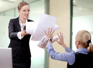 Работодатель нарушает условия трудового договора