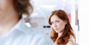 Смена фамилии при разводе на девичью