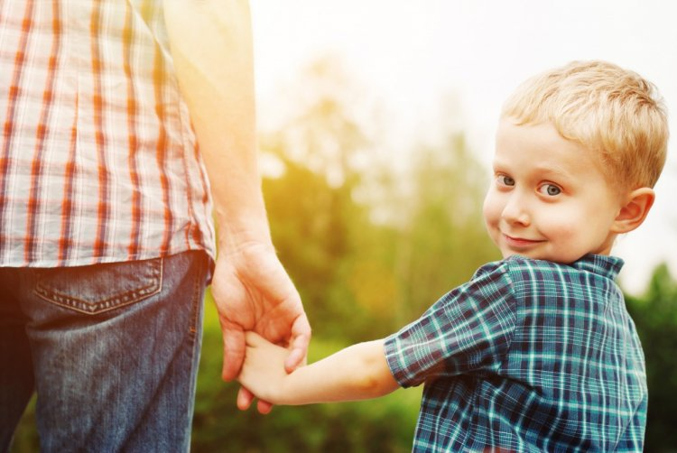 Усыновление ребенка отцом