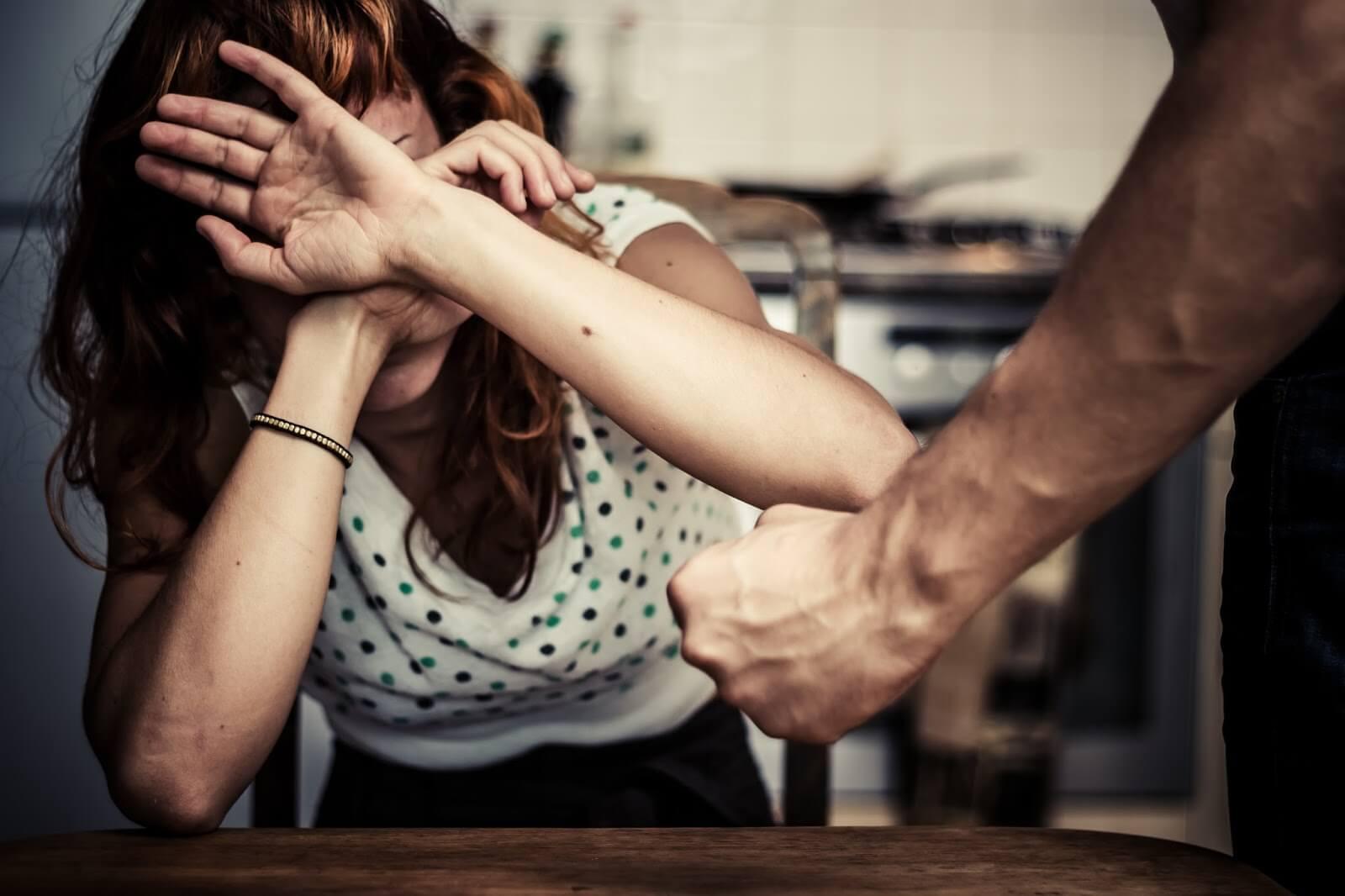 Что делать, если муж избил жену