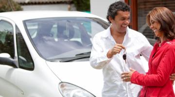 Дарение автомобиля супруге