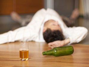 Алкоголик в семье: что делать, как распознать алкоголизм