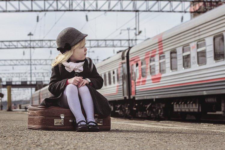 Ребенок на вокзале