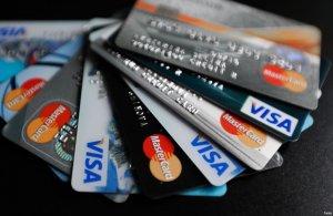 Какую карту лучше оформить у банков: выбираем программы