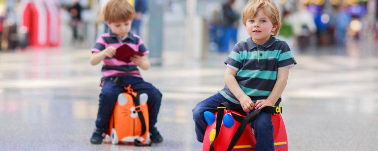 Правила составления доверенности на ребенка для проезда по России