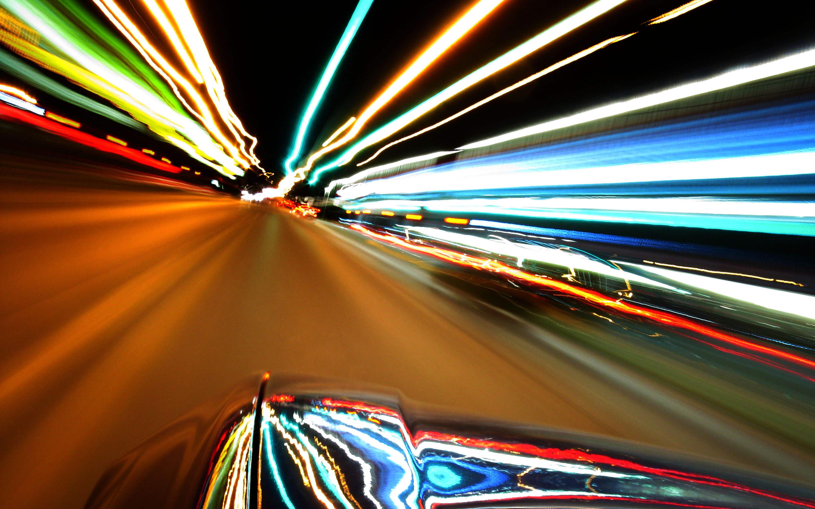 На сколько можно превышать скорость без штрафов: разрешенные и запрещенные отклонения