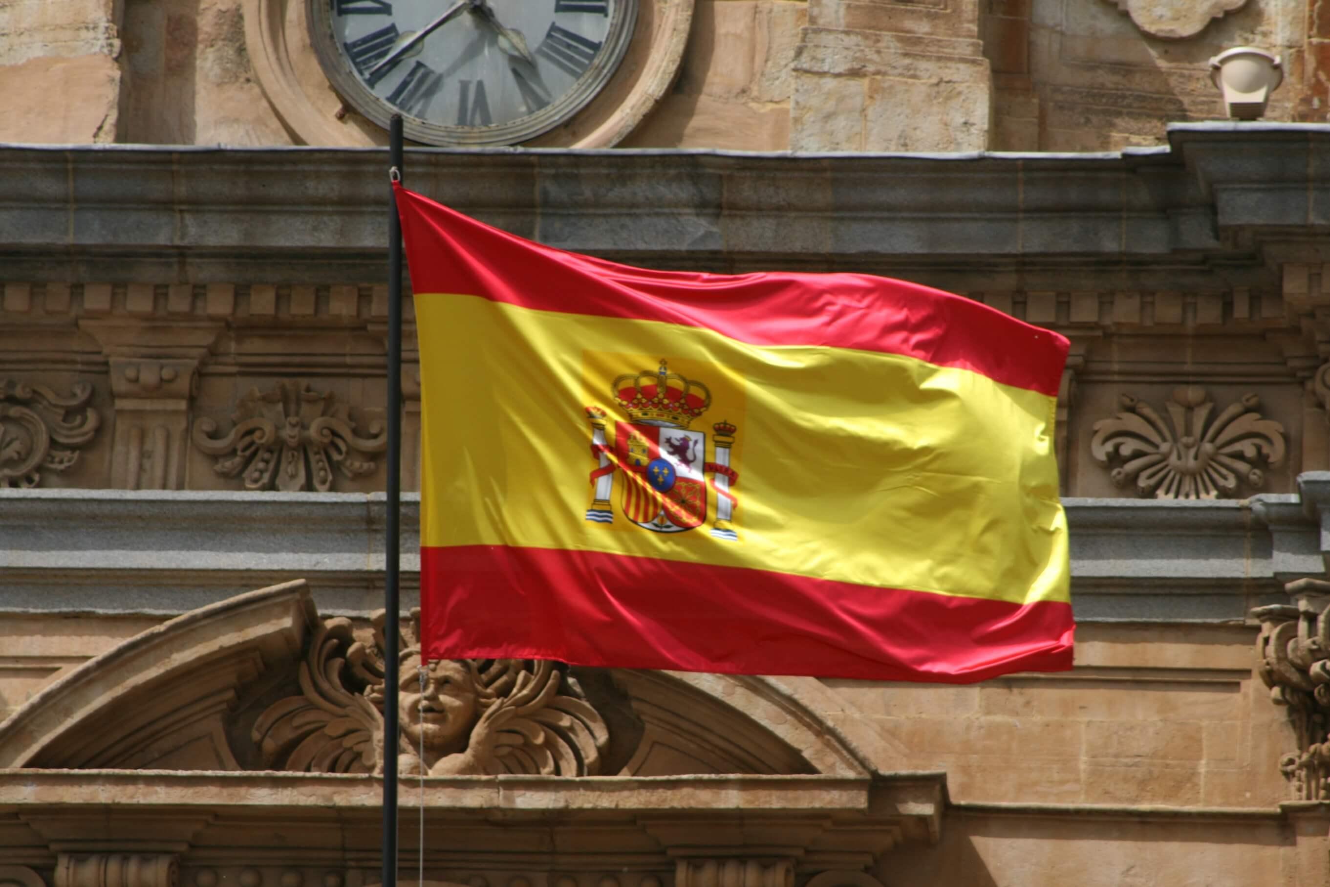 В Испанию нужна виза для россиян: какие документы нужны для взрослых, детей, сколько стоит виза