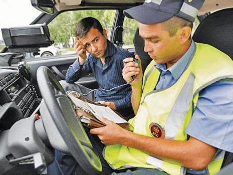 Управление транспортным средством без водительского удостоверения: грубейшее нарушение правил
