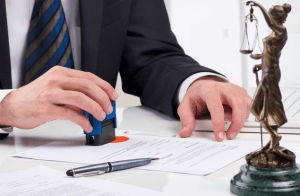 Юрист поможет правильно составить все бумаги