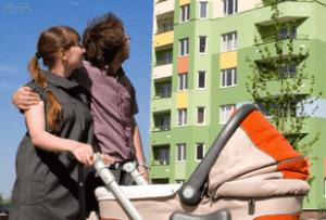 Молодой семье получить жилье проще