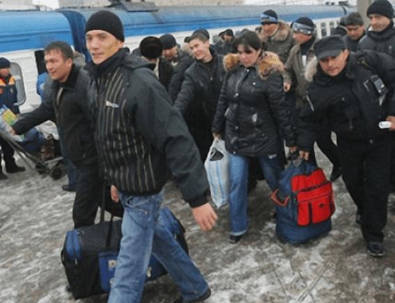 Как депортировать человека из России: виды депортации