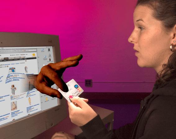 Мошенничество в Интернете: куда обратиться, если случилась беда