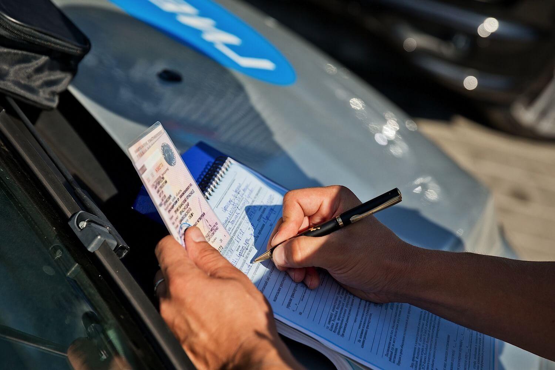 В каких случаях лишают водительских прав: общий порядок