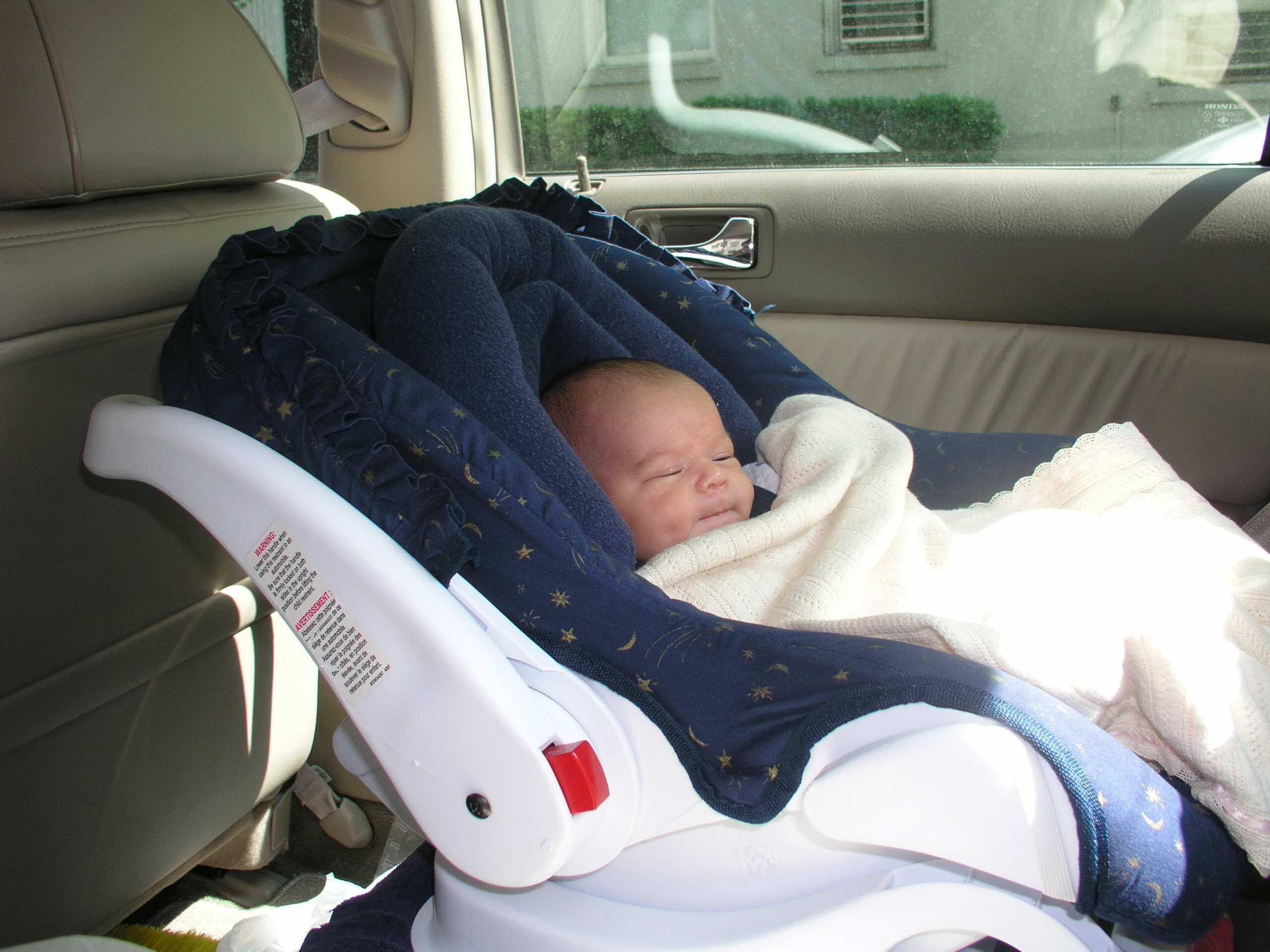Дети: как возить новорожденного в машине