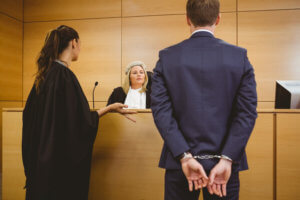 злостный неплательщик в суде